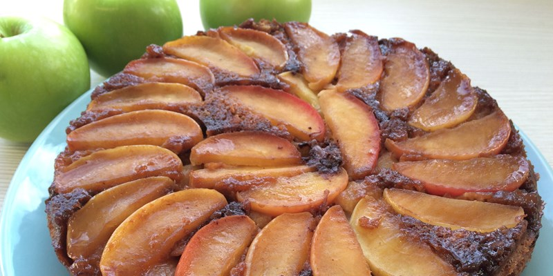 Upside-down Apple Cinnamon Cake