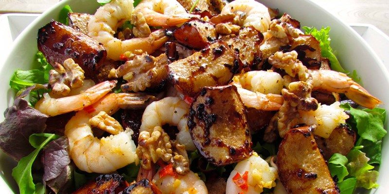 Roasted Nashi Pear Salad with Garlic Chilli Prawns