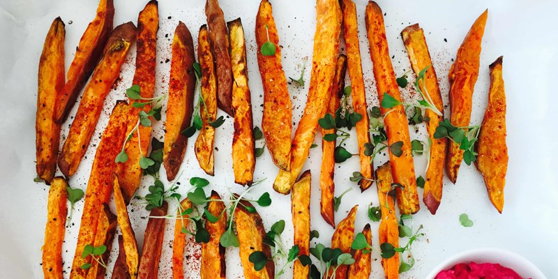 Kumara Chips with Roasted Beetroot Hummus