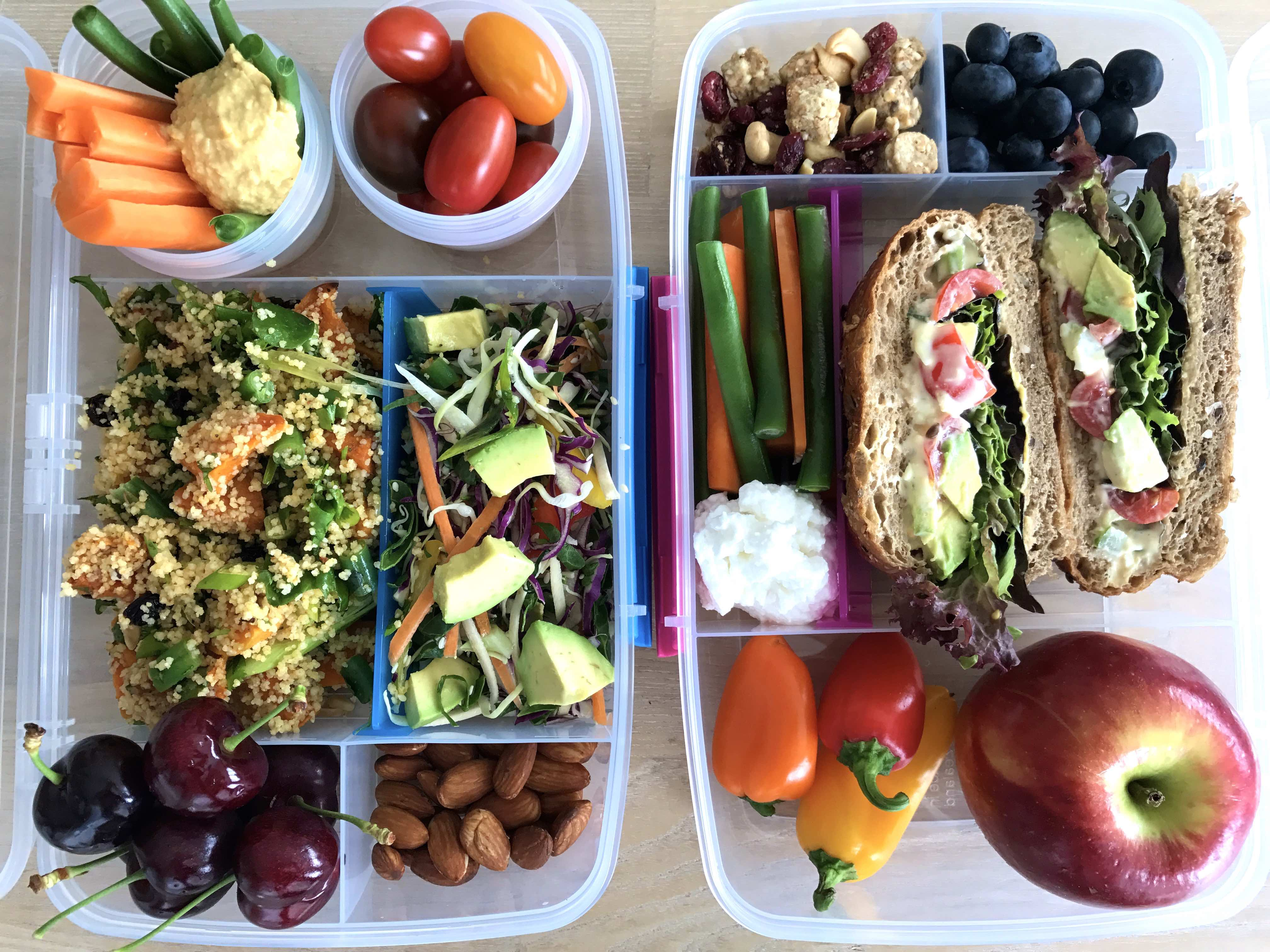 Examples of healthy lunch boxes.